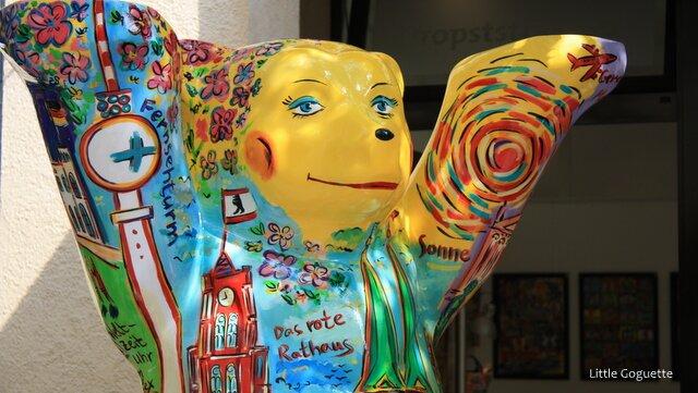 L'ours, symbole de Berlin, en voit de toutes les couleurs !
