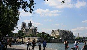 Vue de Notre-Dame depuis les quais