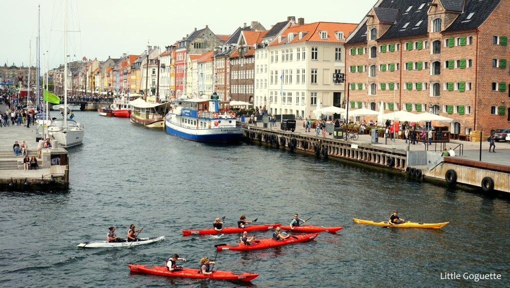 Aviron et éclats de rire sur Nyhavn