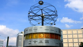 L'horloge universelle Urania de Berlin